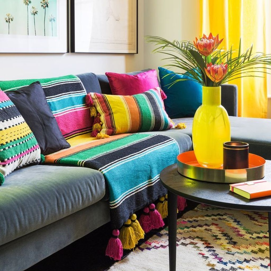 Adorable Colorful Pillow Ideas For Cozy Living Room 46