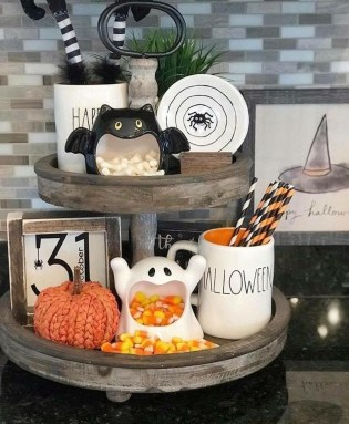 Cool DIY Halloween Decoration Ideas For Limited Budget 09