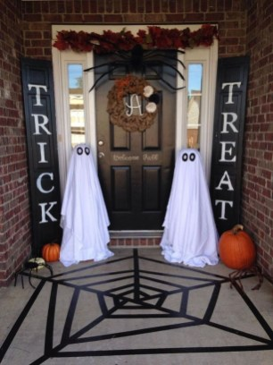 Cool DIY Halloween Decoration Ideas For Limited Budget 24