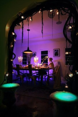 Cool DIY Halloween Decoration Ideas For Limited Budget 26