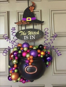 Cool DIY Halloween Decoration Ideas For Limited Budget 33