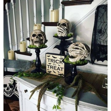 Cool DIY Halloween Decoration Ideas For Limited Budget 34