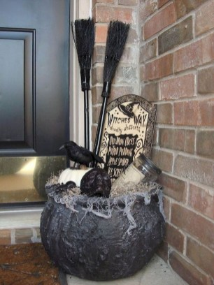 Cool DIY Halloween Decoration Ideas For Limited Budget 43