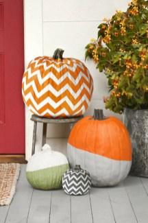 Cute Halloween Pumpkin Decoration Ideas For More Fun 23