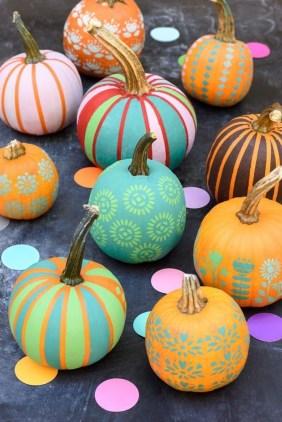 Cute Halloween Pumpkin Decoration Ideas For More Fun 26