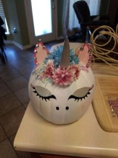 Cute Halloween Pumpkin Decoration Ideas For More Fun 53