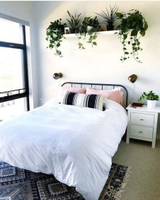 Fabulous DIY Small Bedroom Decoration Ideas On A Budget 32