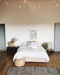 Minimalist Bedroom Decoration Ideas That Looks More Cool 02