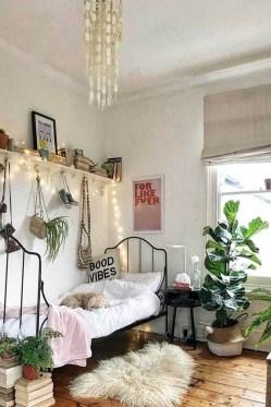 Minimalist Bedroom Decoration Ideas That Looks More Cool 44
