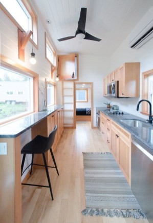Wonderful Kitchen Cabinets Ideas For Your Tiny House 43