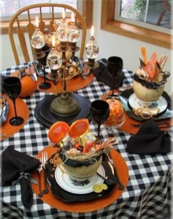 Astonishing Halloween Table Decoration That Perfect For This Year 02