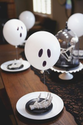 Astonishing Halloween Table Decoration That Perfect For This Year 05