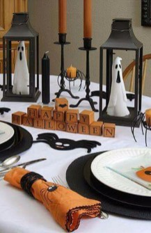 Astonishing Halloween Table Decoration That Perfect For This Year 24