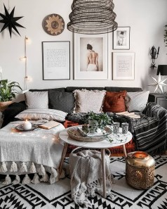Cute Monochrome Living Room Decoration You Must Have 28