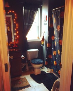 Scary Halloween Decorating Ideas For Your Bathroom 01