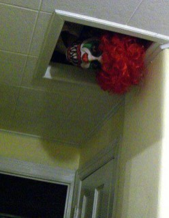 Scary Halloween Decorating Ideas For Your Bathroom 37
