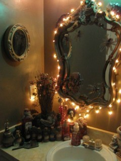 Scary Halloween Decorating Ideas For Your Bathroom 40