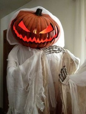 Scary Halloween Decorating Ideas For Your Bathroom 42