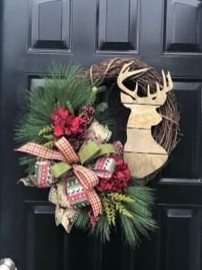 Beautiful DIY Winter Wreath To Place It On Your Door 13