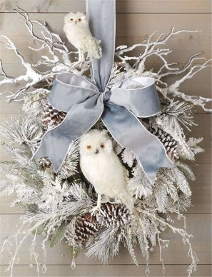 Beautiful DIY Winter Wreath To Place It On Your Door 25