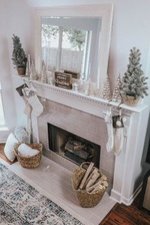 Inspiring Fireplace Mantel Decorating Ideas For Winter 11
