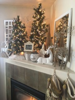 Inspiring Fireplace Mantel Decorating Ideas For Winter 21