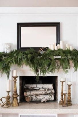 Inspiring Fireplace Mantel Decorating Ideas For Winter 26