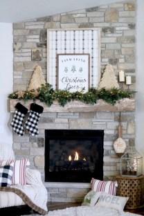 Inspiring Fireplace Mantel Decorating Ideas For Winter 30