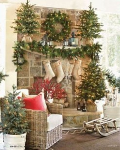 Inspiring Fireplace Mantel Decorating Ideas For Winter 32