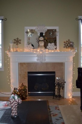 Inspiring Fireplace Mantel Decorating Ideas For Winter 34
