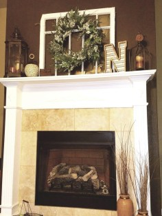 Inspiring Fireplace Mantel Decorating Ideas For Winter 41