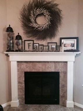 Inspiring Fireplace Mantel Decorating Ideas For Winter 48