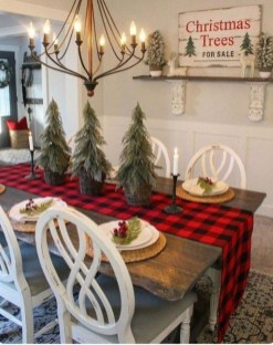 Outstanding Winter Decoration Ideas For Your Apartment 21