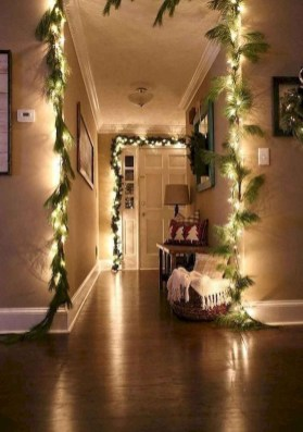 Outstanding Winter Decoration Ideas For Your Apartment 25