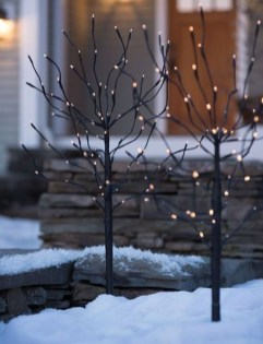 Outstanding Winter Decoration Ideas For Your Apartment 46