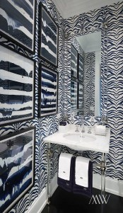Beautiful Winter Themed Bathroom Decoration Ideas 41