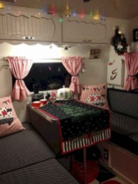 Most Inspiring Holiday Decoration Ideas For Your RV 18