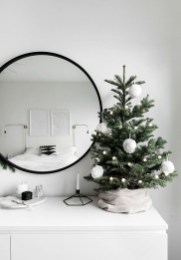 Most Inspiring Holiday Decoration Ideas For Your RV 19
