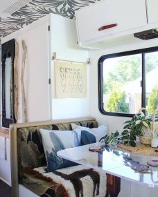 Most Inspiring Holiday Decoration Ideas For Your RV 27