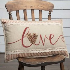 Affordable Valentine's Day Shabby Chic Decorations On A Budget 23