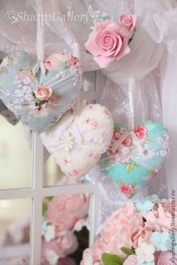 Affordable Valentine's Day Shabby Chic Decorations On A Budget 26