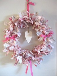Affordable Valentine's Day Shabby Chic Decorations On A Budget 38