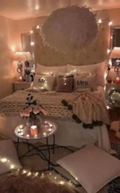 Beautiful And Romantic Valentine's Day Bedroom Design Ideas 27
