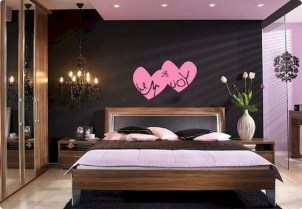 Beautiful And Romantic Valentine's Day Bedroom Design Ideas 38