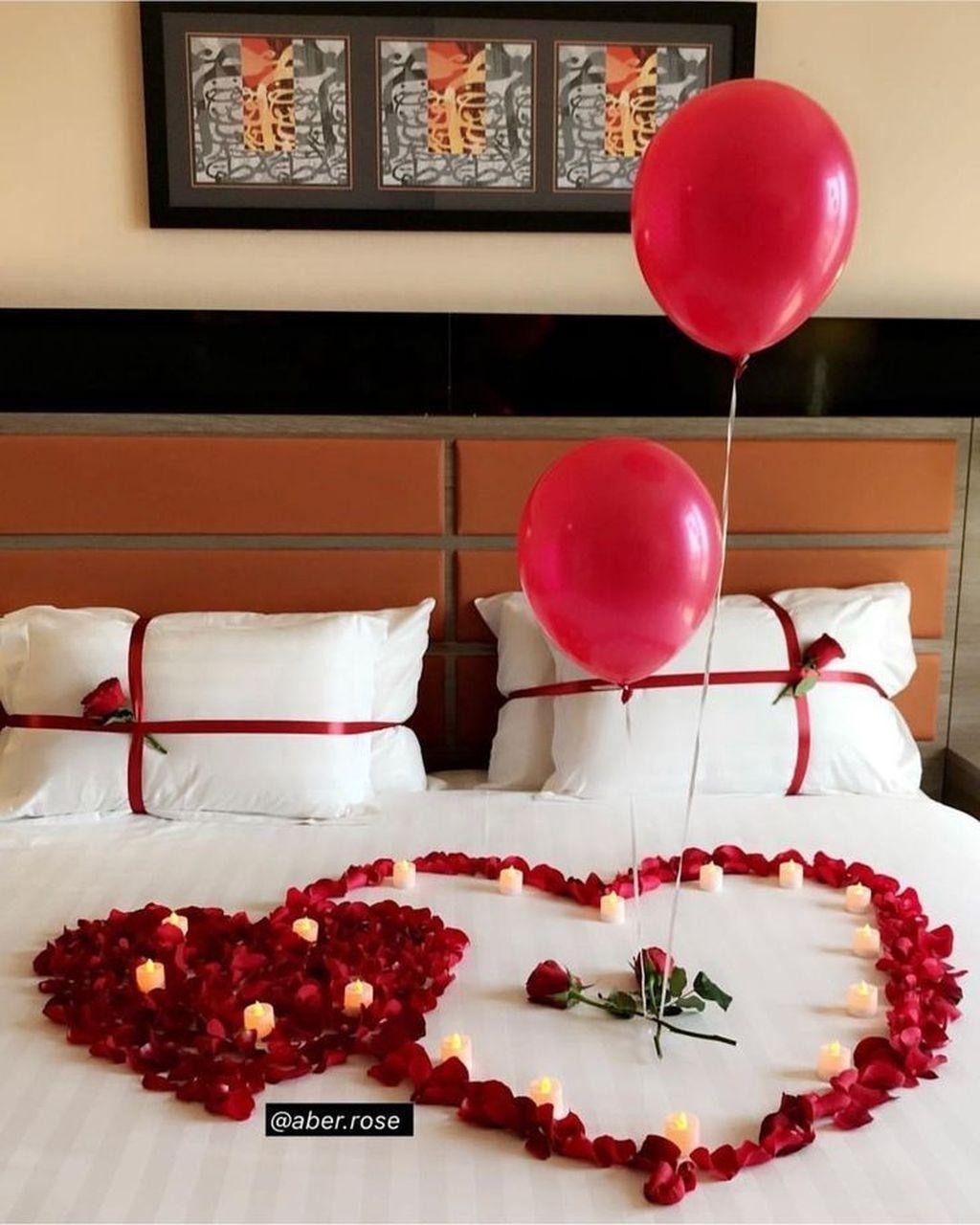 20 Beautiful And Romantic Valentine S Day Bedroom Design Ideas