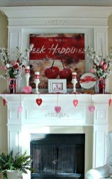 Best Valentines Day Mantel Decor Ideas That You Will Falling In Love With 14