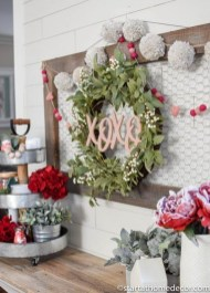 Best Valentines Day Mantel Decor Ideas That You Will Falling In Love With 22