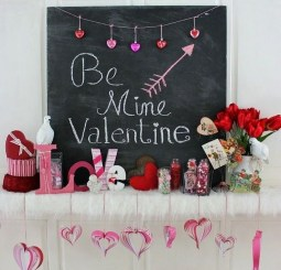 Best Valentines Day Mantel Decor Ideas That You Will Falling In Love With 32