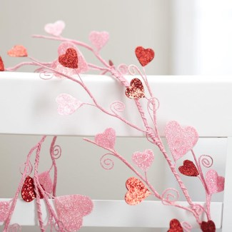 Best Valentines Day Mantel Decor Ideas That You Will Falling In Love With 33