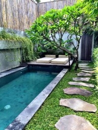 Comfy Pool Seating Ideas For Your Outdoor Decoration 13